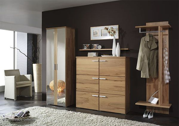 eleganten massivholz garderobe. Black Bedroom Furniture Sets. Home Design Ideas